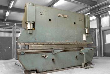MENGELE Abkantpresse - 1.500 kN Presskraft, 220 bar Betriebsdruck