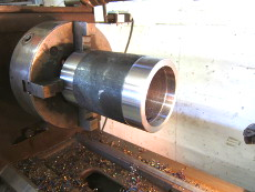 Drehteil-Rohr, Stahlrohr innen und außen auf Fertigmaß abgedreht auf der Drehmaschine.