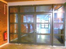 Brandschutztüre in Rahmenbauweise mit Glasfüllung F90, rauchmeldergesichert, T-90.